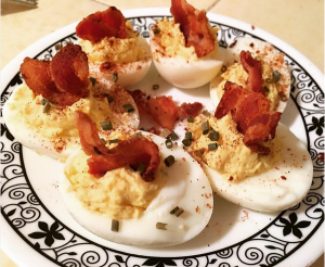 R1D18 deviled eggs with sugar-free bacon flags