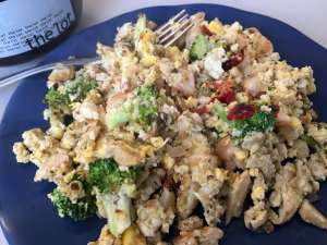 R1D20M1 improvised chicken broccoli sundried tomato scramble with homemade bone broth