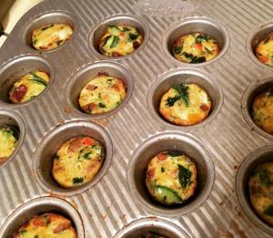 R1D22 veggie sausage egg bake mini-muffins